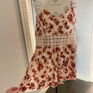 TOPSHOP floral romper with crochet detail - size 4